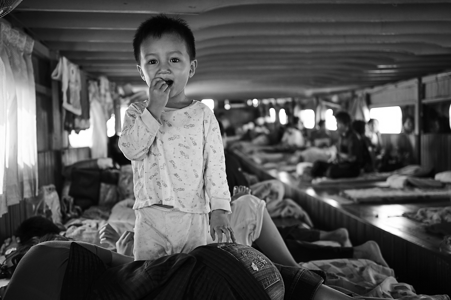 Child on board, middle-Mahakam
